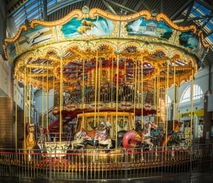 carousel-623105_640